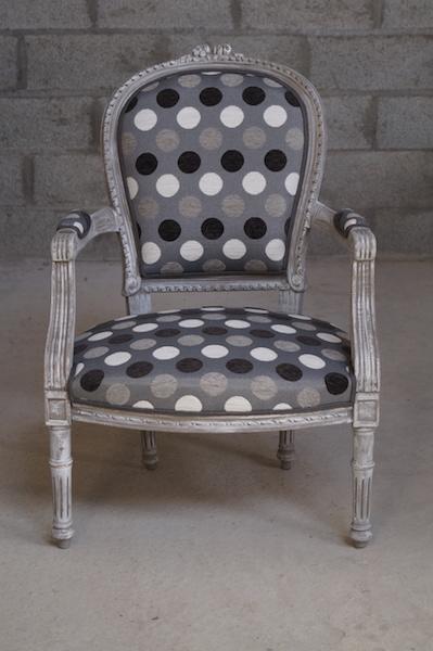 fauteuil-louis-XVI-batz-sur-mer-la-baule-le-pouliguen-tapissier-couture-decoration-creation-tissu-design-tendance