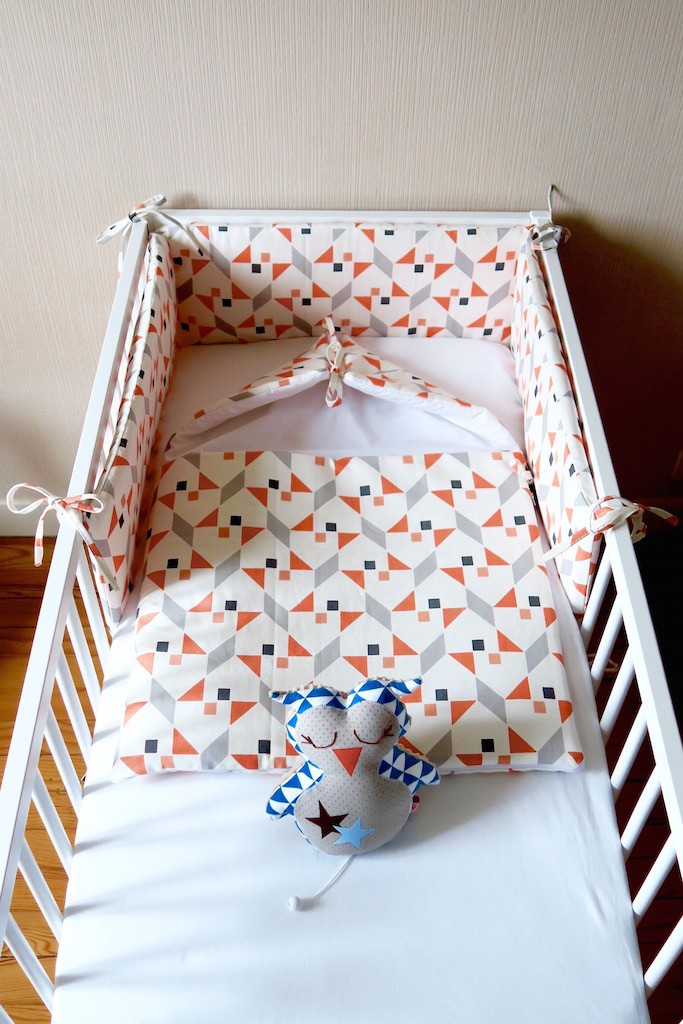 deco-chambre-bebe-lit a barreau-blanc-nitin goyal- tour de lit-nid d'ange